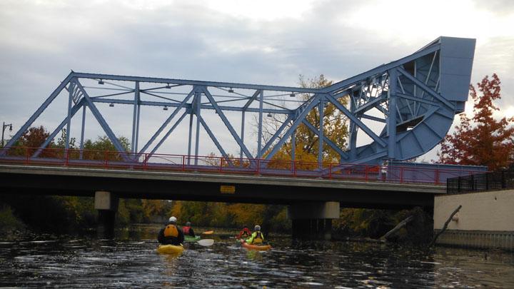 paddling under the OC bridge 11-04-2013